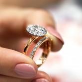 oval Cut Diamond Engagement Ring 18k rose gold