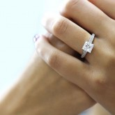princess Cut Diamond Engagement Ring 18K white gold