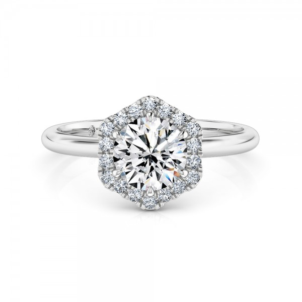 Round Cut Halo Diamond Engagement ring Platinum
