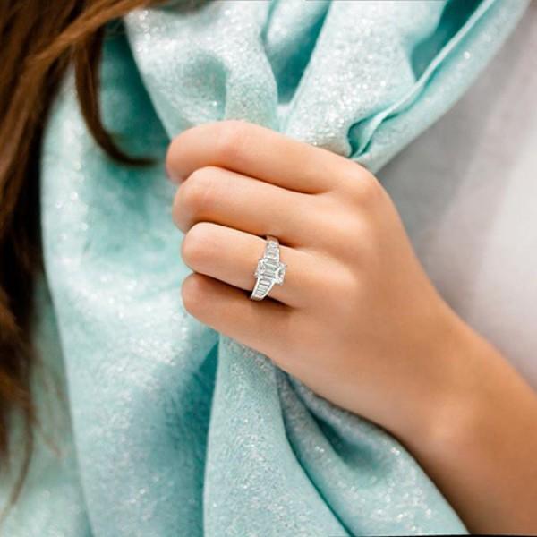 emerald Cut Diamond Engagement Ring 18K white gold