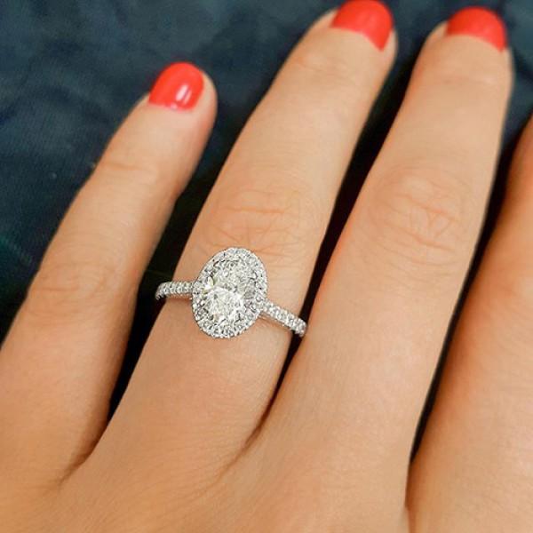 oval Cut Diamond Engagement Ring 18K white gold