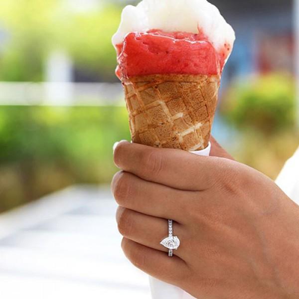 pear Cut Diamond Engagement Ring platinum