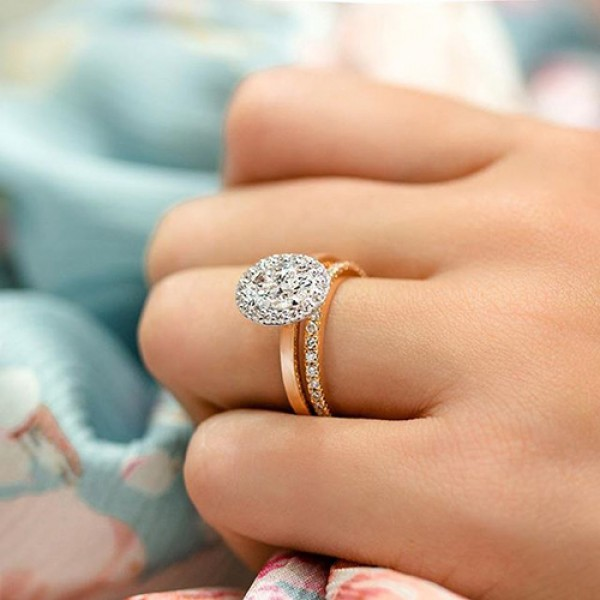 oval Cut Diamond Engagement Ring 18k rose gold