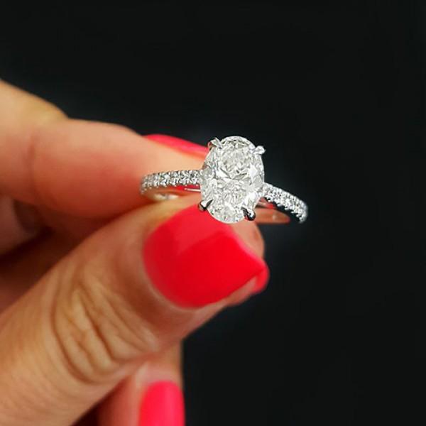 oval Cut Diamond Engagement Ring platinum